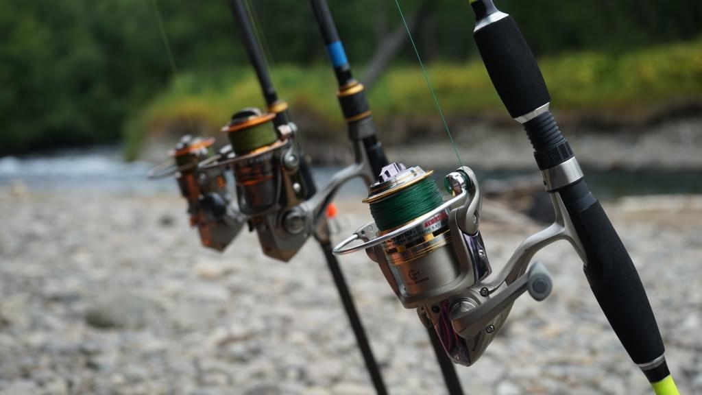 Рыбалка на реке быстрая