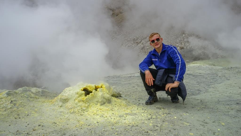 фумаролы вулкана Мутновский