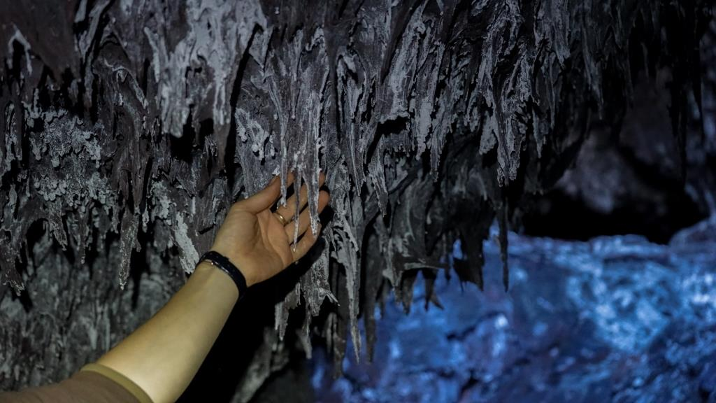 в пещере вулкана Толбачик